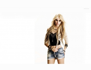 Taylor Momsen 2 Wallpapers