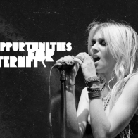 Taylor Momsen Singing Wallpaper