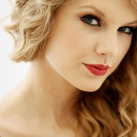 Taylor Swif Lips Wallpapers