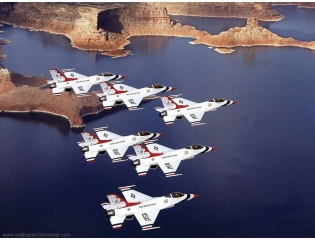 Thunderbirds Flying Formation Wallpaper