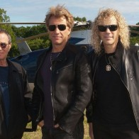 Tico Torres Jon Bon Jovi And David Bryan Arrive Helicopter The Isle Of Wight