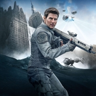 Tom Cruise In Oblivion Wallpapers