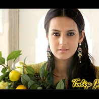 Tulip Joshi Wallpaper