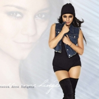 Vanessa Hudgens 28 Wallpapers