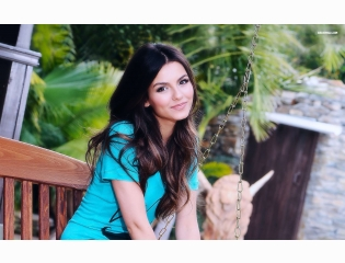 Victoria Justice 29 Wallpapers