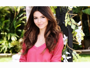 Victoria Justice Wallpaper Wallpapers