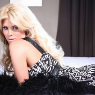 Victoria Silvstedt 4 Wallpapers