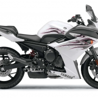 Yamaha Fz6r White Wallpapers
