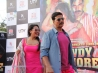 akshay kumar and sonakshi sinha promotions of movie rowdy rathore wallpapers