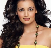 diya mirza in yellow top
