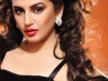 download huma qureshi hd photo