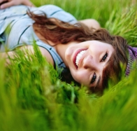 girl in the grass hd