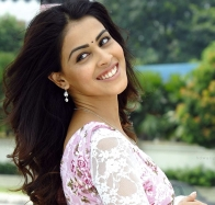 Indian Actress Genelia Dsouza Wallpapers